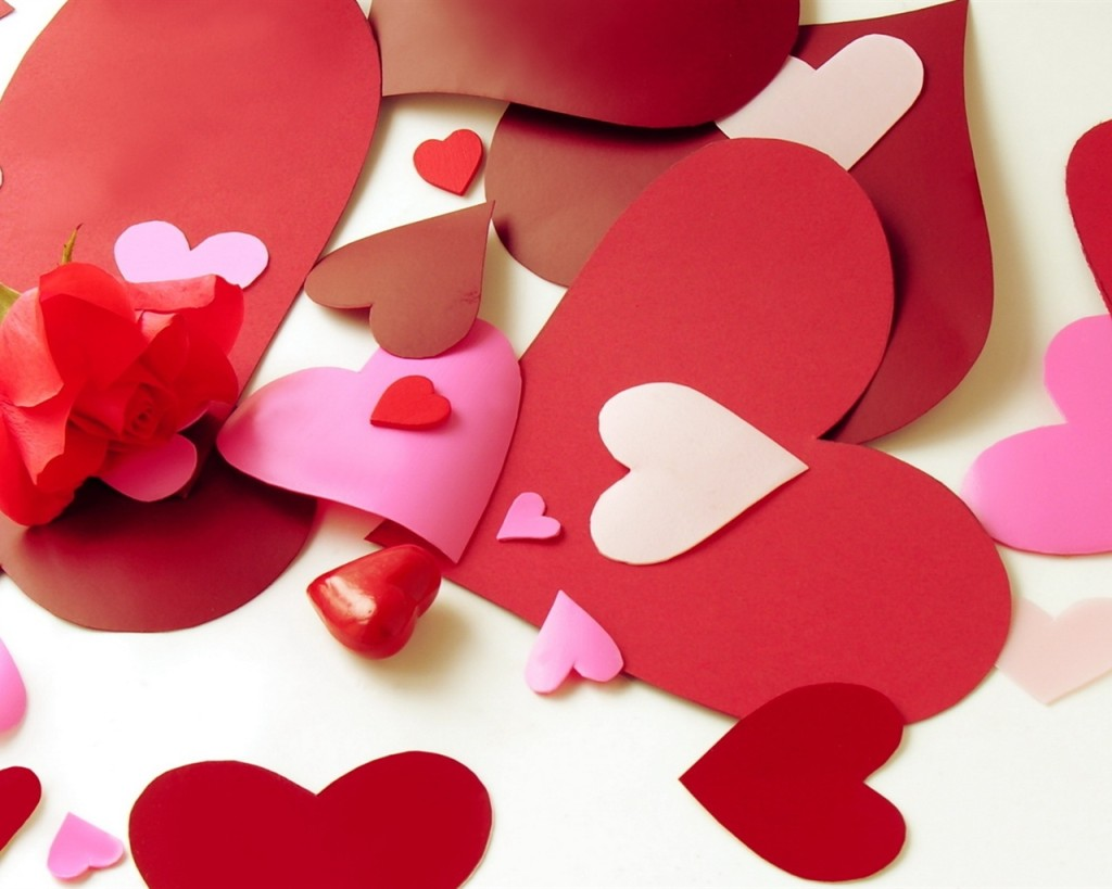 Valentine-s-Day-love-heart-shaped-paper-cut_1280x1024