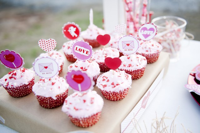 Valentines-party-cupcake-toppers-640x425
