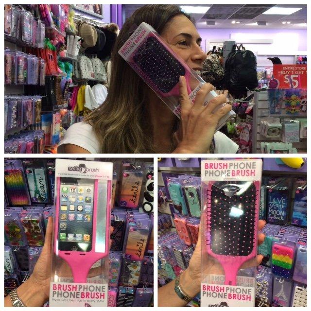 Compras na SawGrass Mills: um case de iphone no formato de uma escova de cabelo!