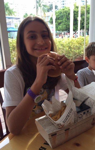 O Kids Menu tem tudo que a criançada gosta: burguers, batata frita, macarrão com queijo, pizza, nuggets…